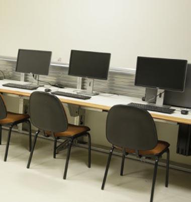 Aulas na Sala do OTS (Operation Training System) da Celulose Riograndense